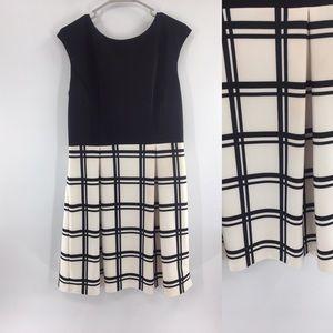 Sandra Darren sleeveless Pleated Dress